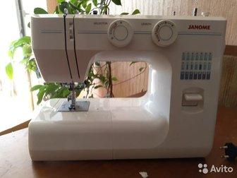 Швейная машинка Janome TM-2004,  Машинка куплена давно, ни разу не использовалась,  В отличном состоянии,  Превосходный стежок, удобная в использовании, только необходимый в Новосибирске