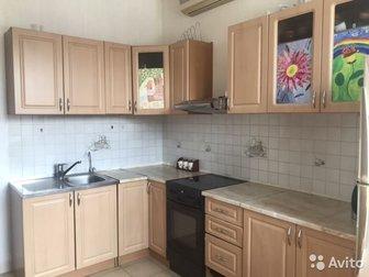 Кухонный гарнитур 170х260 см (вместе с плитой),  Верхние шкафы в отличном состоянии, нижние в хорошем и удовлетворительном,  Мойка и смеситель grohe в комплекте в Новосибирске