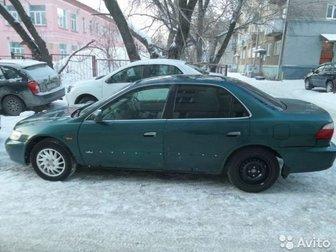 Объем двигателя 2,  3 литра,  салон бежевая кожа,  Кондиционер,  круиз контроль,  климат контроль,   Музыка на 6 дисков,   Электросидения,  электростекла, электрозеркала, в Новосибирске