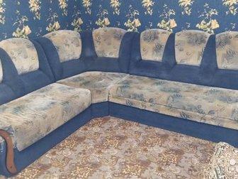 Продам угловой диван в хорошем состоянии, Размер угла 2300*2800 мм, Раскладывается спальное место 1600*2000 мм,  На правом подлокотнике имеются следы кошачьих когтей, в Орске