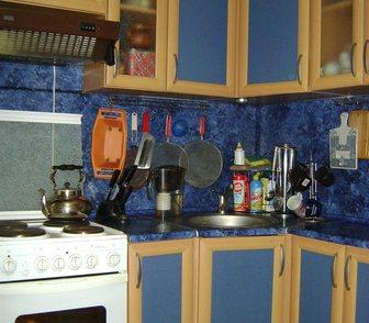Фото в Мебель и интерьер Кухонная мебель Срочно продается гарнитур синего (мраморного)цвета в Пыть-Яхе 18000