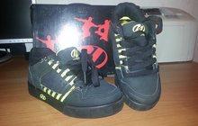 продаю детские кроссовки Heelys (новые)