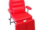 Увидеть foto  Педикюрное кресло / кушетка 68975312 в Санкт-Петербурге