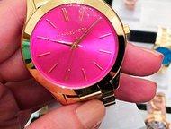 Женские часы Michael Kors «Glamour» Женские кварцевые часы Michael Kors glamour - это яркий акцент на образе!   Предлагаем вам копию часов этого попул, Санкт-Петербург - Часы