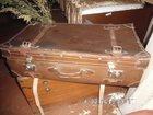 Фотография в   большой кожанный светло-коричневый, чемодан. в Саратове 5000