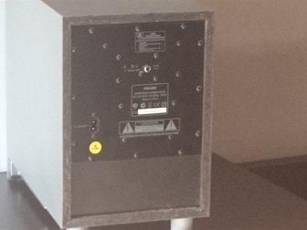 Просмотреть фотографию  Сабвуфер Рhilips SW3800 со встроенным усилителем 33233660 в Саратове