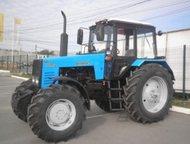 Трактор Беларус 1221, 2 Трактор относится к тяговому классу 2, 0. Выполнен по ко
