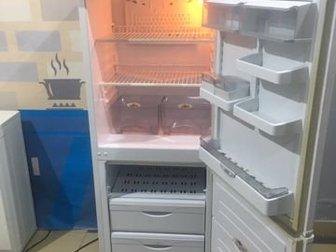 Добрый деньПродаётся ХолодильникПолностью рабочий, Чистый, Работает тихо, Фото его 100%Даём гарантию для проверки, Доставка по Лен области и Петербургу в день заказа в Сосновом Боре