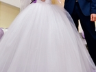 Фотография в Одежда и обувь, аксессуары Свадебные платья Срочно продам свадебное платье! В хорошем в Старом Осколе 5000