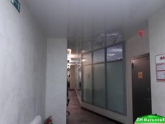 Продается офис площадью 561,3 кв, м,  По адресу: пр,  Пролетарский, дом 11, первая линия,  Имеется парковка; рядом парковая зона; развитая инфраструктура района, в Сургуте