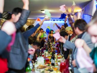 Смотреть foto Организация праздников Тамада на праздник не дорого 34077998 в Томске