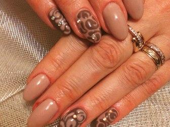 Увидеть foto  Наращивание ногтей, покрытие шеллаком, маникюр 40059061 в Томске