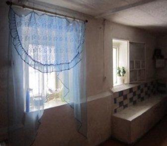 Фото в Недвижимость Продажа квартир Просторный 2х этажный кирпичный дом, расположенный в Томске 2300000