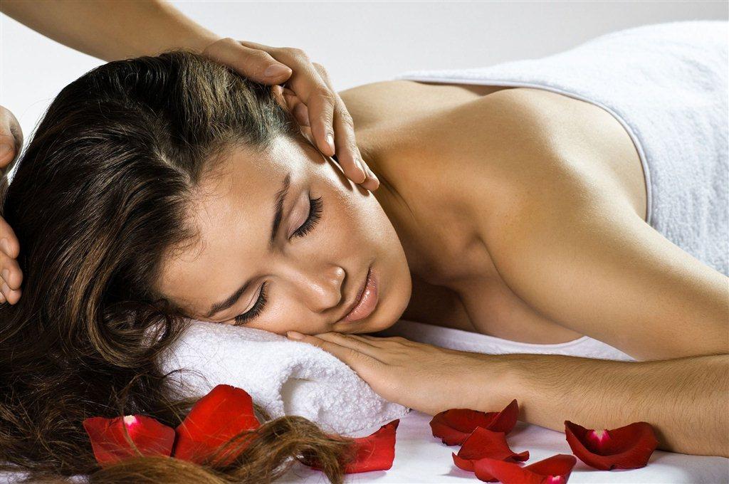 Прекрасный массаж для девушки 21 фотография
