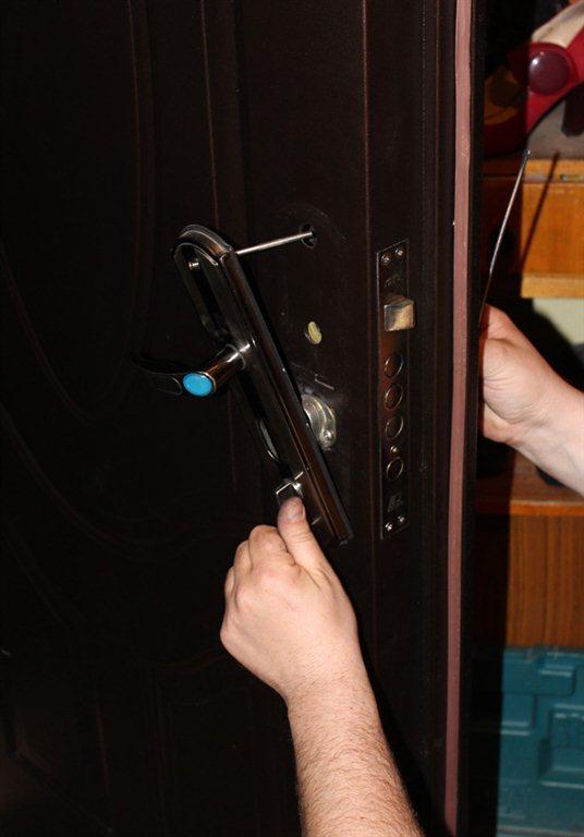Мастер по ремонту замков дверей