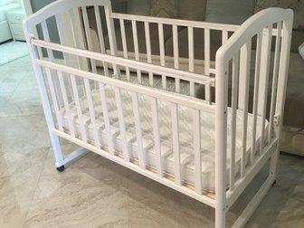Классическая детская кроватка Алита произведена из массива березы,  Кроватка имеет следующие характеристики - деревянный каркас - размеры 68x125x100см - размер в Уфе