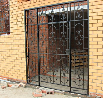 рештки металлические двери