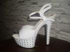 Фотография в Одежда и обувь, аксессуары Женская обувь Стрипы для полденса белые, новые со стразами, в Волгограде 2500