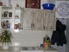 Продается уютная комната, остается кухонный гарнитур, стенка