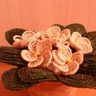 Фиалка из бисера и тапиарий из цветов